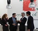 Награждение лучшего дистрибьютора итальянской плитки на стенде Ceramics of Italy