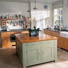 Дизайн кухни с баром и островом