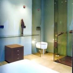 Интерьер ванной в стиле хай-тек