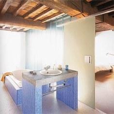 Интерьер минималисткой ванной комнаты