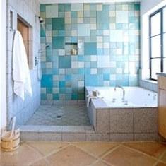 Ванна с гидромассажем и голубыми моноколорами