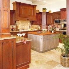 Дизайн классической кухни с островной планировкой