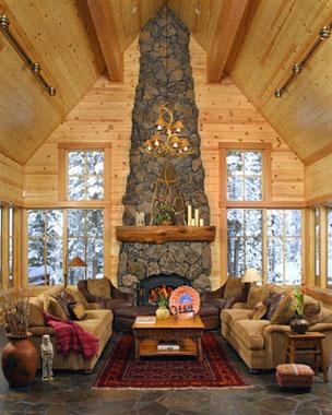 Дизайн гостиной с камином в избе