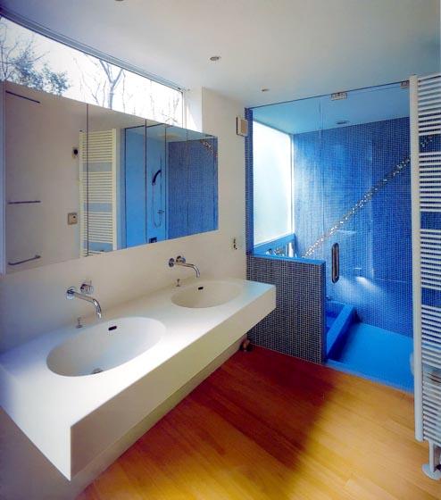 Интерьер современной ванной комнаты