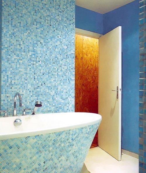Что, если ванну обложить мозаикой