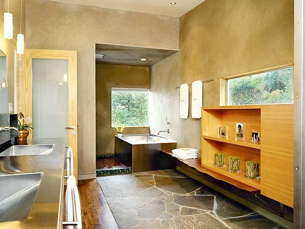 Интерьер ванной комнаты загородного дома