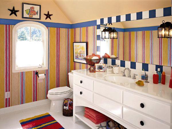 Обои в ванной комнате. Фотография интерьера