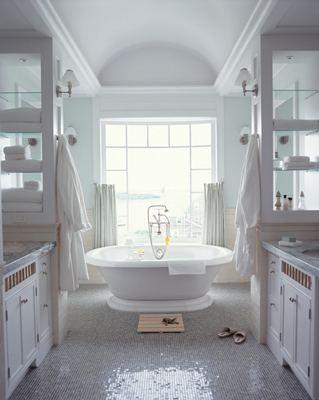 Полная симметрия в дизайне ванной комнаты