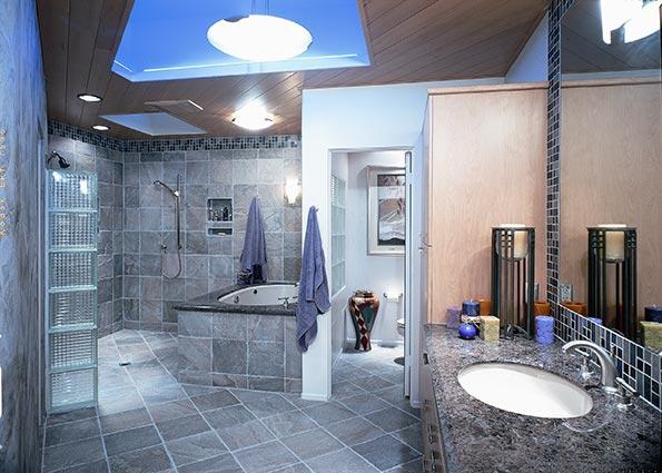 Дизайн просторной ванной