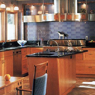 Дизайн кухни с маленьким островом