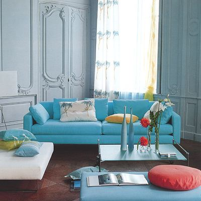 Дизайн гостиной в голубых тонах