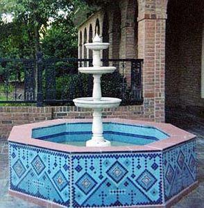 Сказочный дизайн фонтана