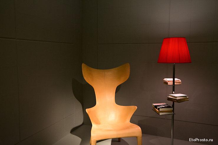 Лампа на стенде Sant Agostino